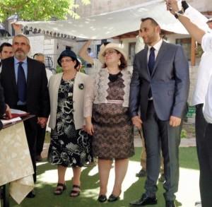 Luis y Claudia se casaron bajó la jupa luego de su retorno al judaísmo